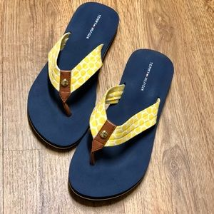 💯 Like New Flip Flops